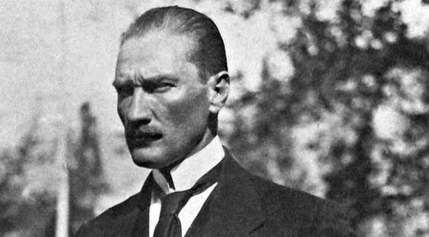 Tarihte Bugün: 'Atatürk'
