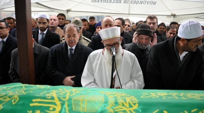 Bakan Akdağ'ın dayısının cenazesinde yoğun güvenlik önlemi