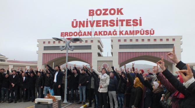 Öğrenci Konseyi seçiminin iptal edilmesine protesto