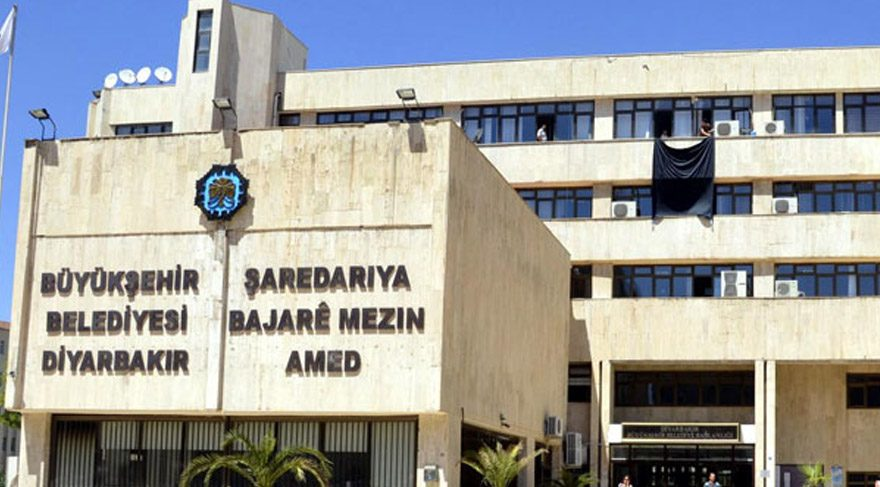 Diyarbakır Büyükşehir Belediyesi'nin makam odası da değişti