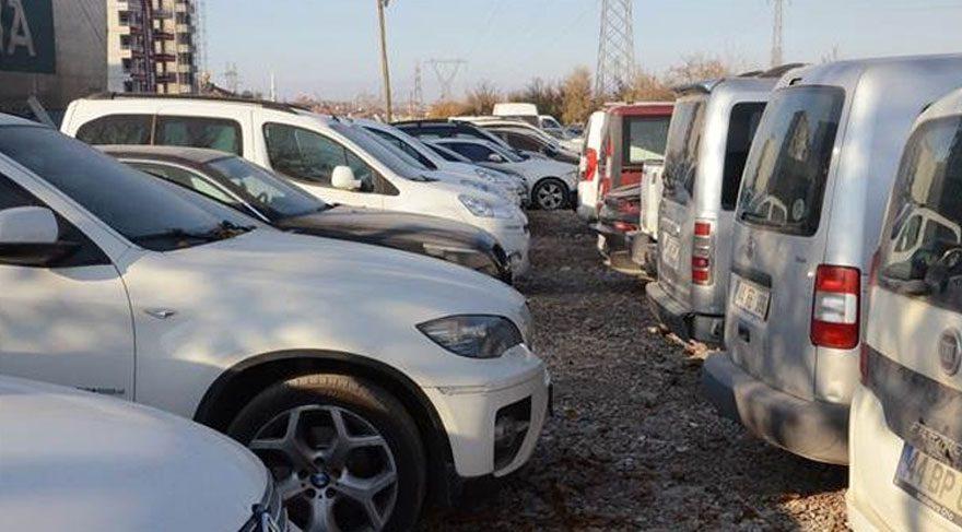 Lüks araçlar çürümeye terk ediliyor
