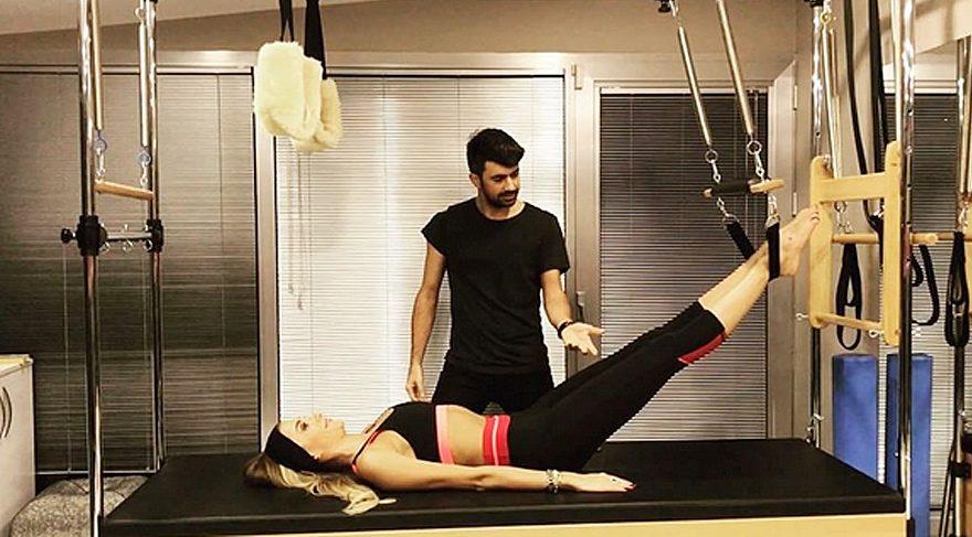 Özge Ulusoy'dan aletli pilates