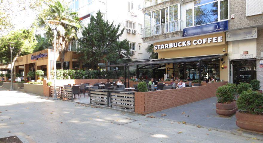 Starbucks ilk mağazısını kapattı