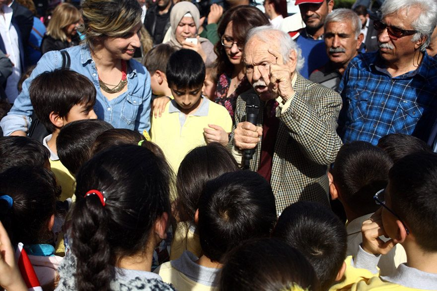 FOTO - iHA: Ünlü sinema ve dizi oyuncusu Menderes Samancılar, kazandığı bütün ödülleri memleketi Adana'daki Sinema Müzesi'ne bağışlad