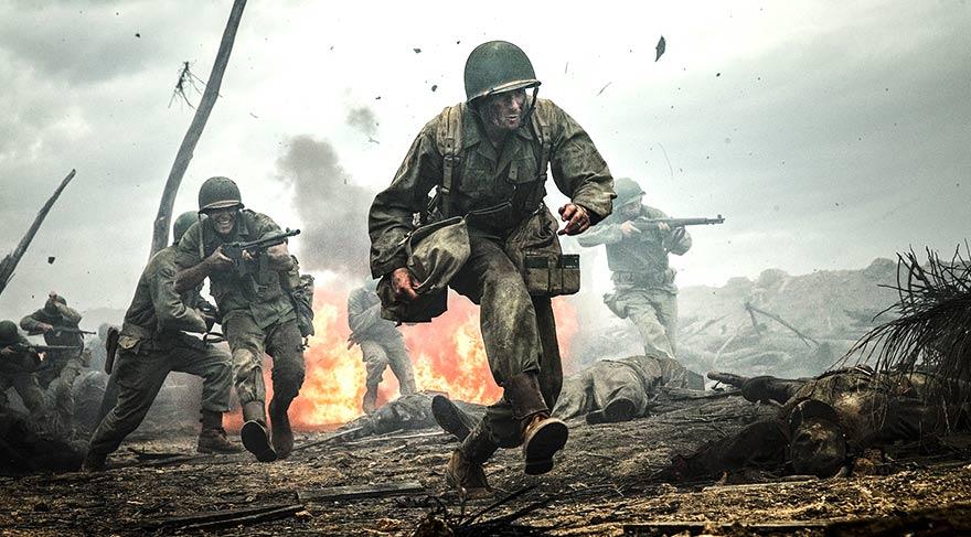 Bu tavrı hem komutanları, hem de asker arkadaşları arasında ilk başta çok sert tepkiyle karşılanır, askeri mahkemeye bile çıkar.