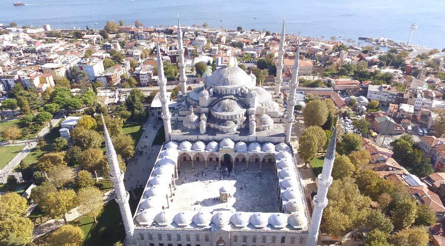 Restorasyonu tamamlanan Sultanahmet Camii havadan görüntülendi