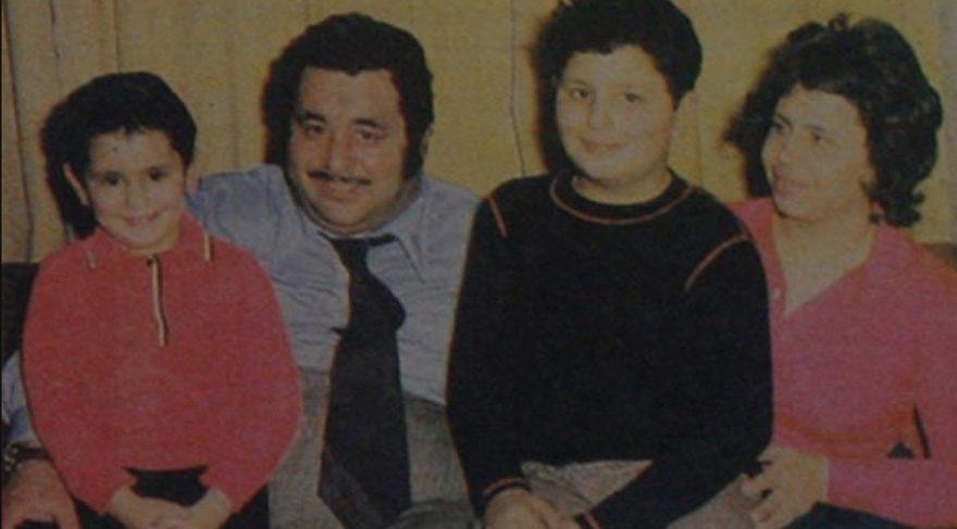 Necdet Tosun'un (ortadati) kendi gibi oyuncu olan çocuklarından Gürdal Tosun da (sağdaki) 2000 yılında yaşamını yitirmişti. Necdet Tosun (sağdaki) da Sarıyer'deki kazada hayata gözlerini yumdu.