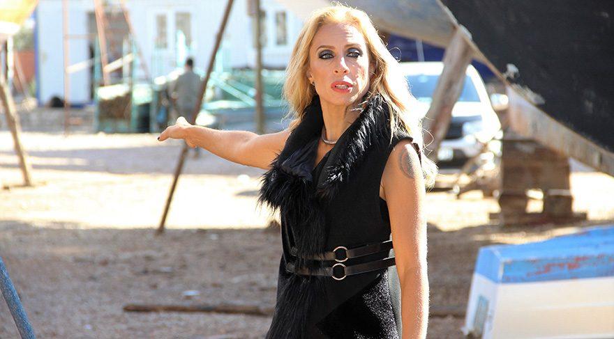Zeynep Casalini yaşadığı iddia edilen yasak aşk hakkında açıklama yaptı
