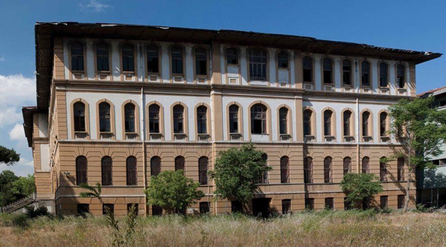 143 yıllık tarihi Darüşşafaka binası imam hatibe çevrildi