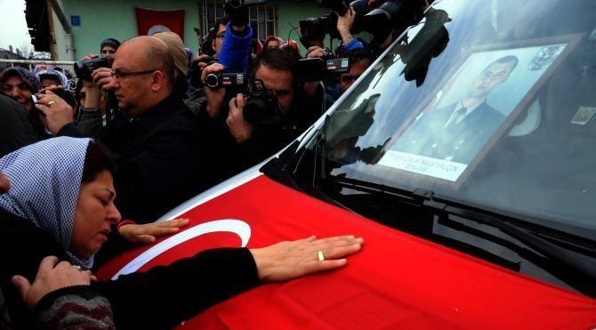 Şehit uzman çavuş Yalçın'ı, Erbaa'da 10 bin kişi uğurladı