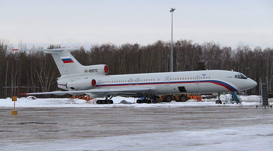 Rusya'da önemli isimleri taşıyan uçak Karadeniz'e düştü! Kurtulan yok