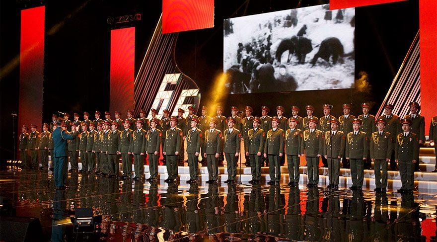 Karadeniz'e düşen Rus uçağı Kızıl Ordu Korosu'nu taşıyordu