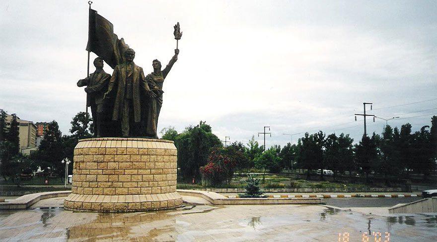 11 yıl önce kaldırılan Atatürk heykeli kayıp