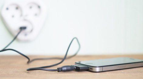 Telefonunuzu şarj ettiğiniz yere dikkat: Hacklenebilirsiniz!