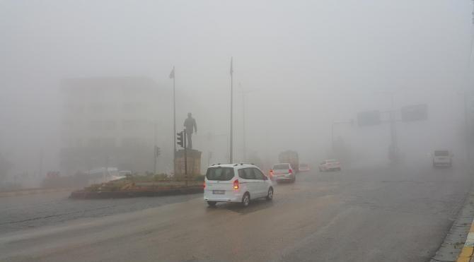 Yoğun sis nedeniyle uçaklar Mardin'e inemedi