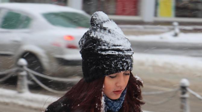 Sivas'ta 296 köy yolu kardan kapandı
