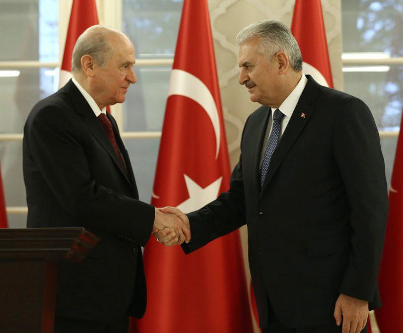 FOTO:İHA - Bahçeli, dün Binali Yıldırım ile biraraya gelmiş ve yeni anayasa taslağı için 'tamam' demişti.