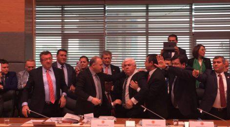 Anayasa Komisyonu'nda yedek milletvekilliği iptal edildi
