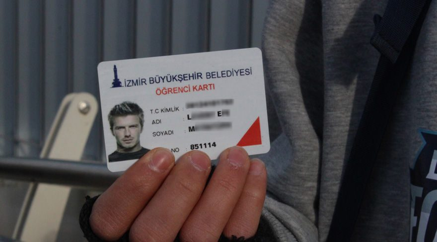 Beckham'ın fotoğrafıyla öğrenci kartı!