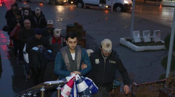 Bursa'da FETÖ'den gözaltına alınan 13 kişi adliyeye sevkedildi