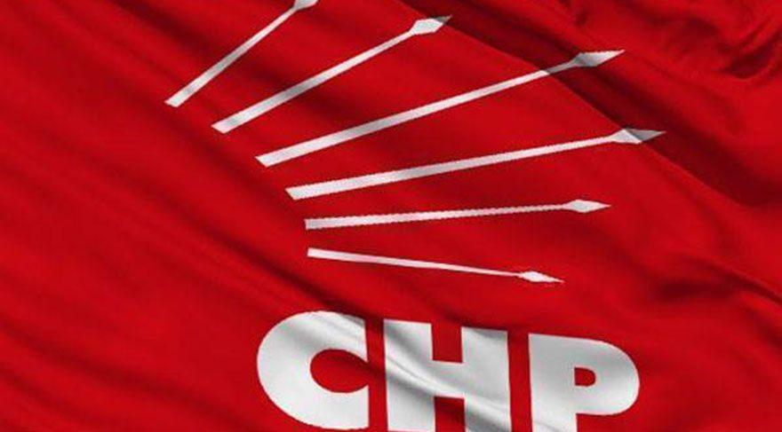 Anayasa Komisyonu'nda tansiyon yükseldi; CHP'li vekil AKP'li vekile pet şişe fırlattı