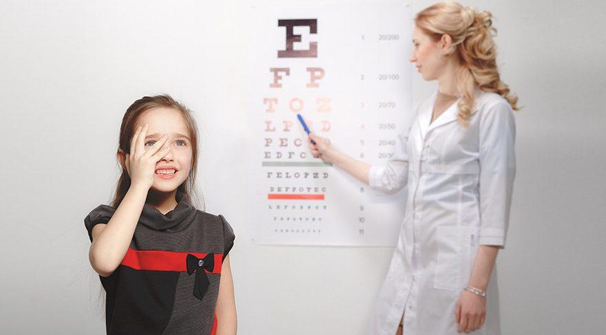 Hangi durumlarda çocukları göz doktoruna götürmeli?