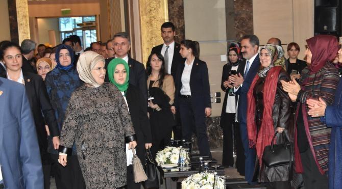 Emine Erdoğan; 'Kız çocuklarının eğitimi, sorun olmaktan çıkmalıdır'