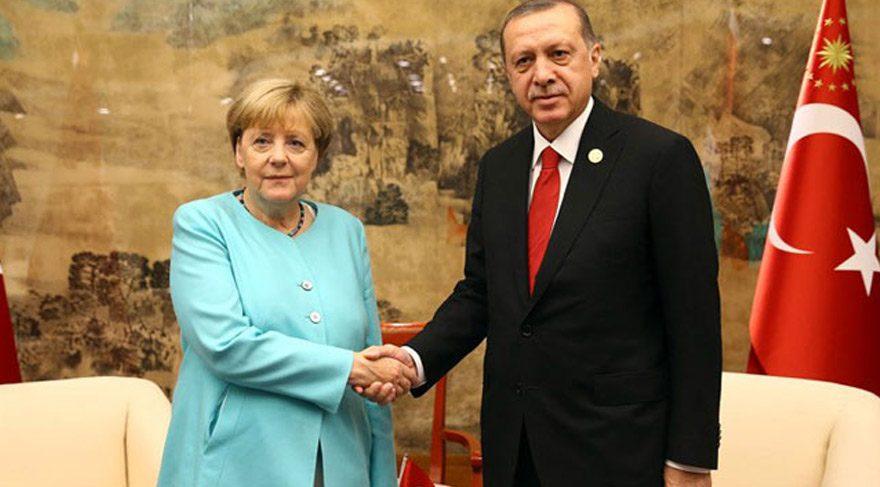 Cumhurbaşkanı Erdoğan ve Merkel telefonda görüştü