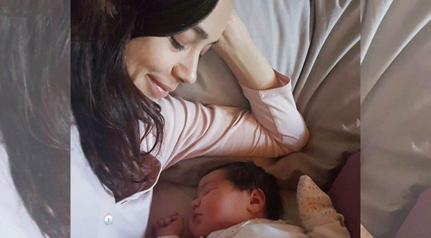 Ünlü oyuncu Özgü Namal ikinci kez anne oldu