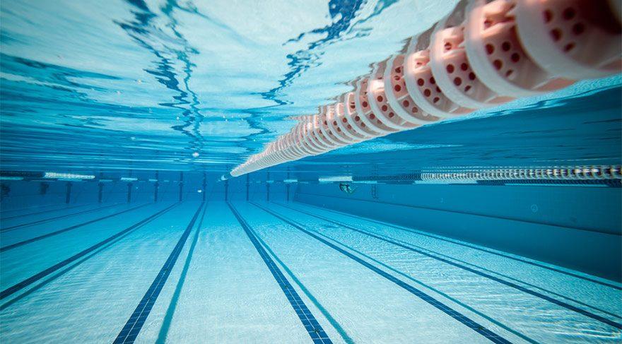 Almanya'da Yüksek Mahkeme kararını verdi: Kızlar karma yüzme derslerine katılmak zorunda