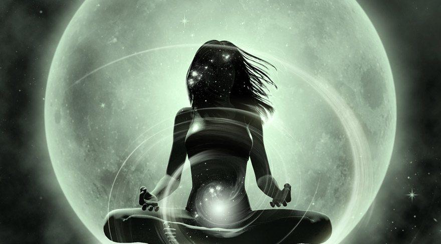 Ay'ın boşlukta olduğu anlar ruhsal çalışmalar yapmak, meditasyon yapmak, içe dönmek için evrenin 10 numara 5 yıldız zamanıdır.
