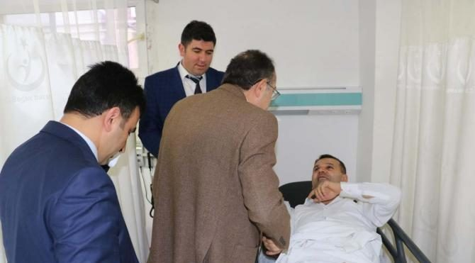 Kaymakam ve belediye başkanı kazada yaralandı 2