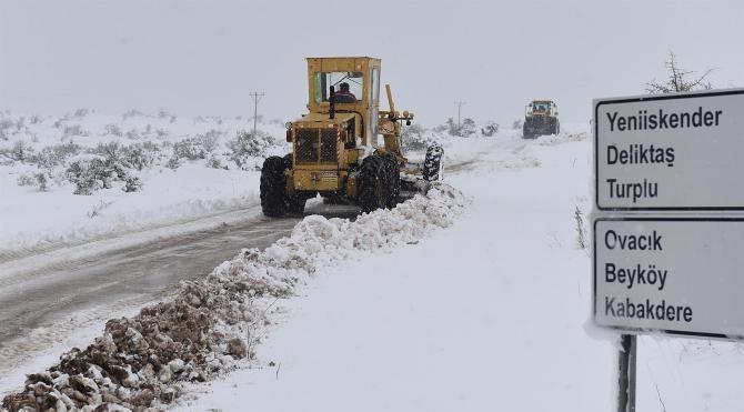 Balıkesir'de 214 kırsal mahalle yolu kapalı