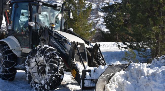 Sinop'ta 228 köy yolu kardan kapandı