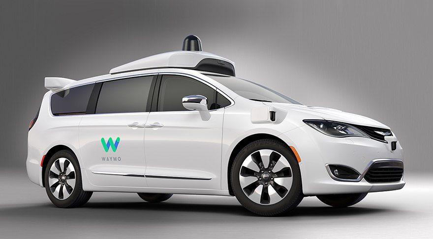 Sürücüsüz FCA-Waymo minivan