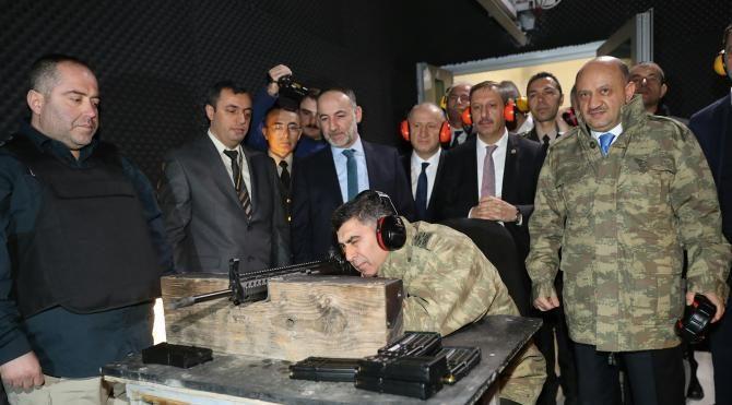 Bakan Işık Milli Piyade Tüfeği'nin teslim törenine katıldı