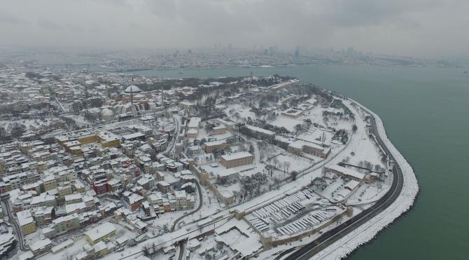Havadan larla İstanbul'da kar