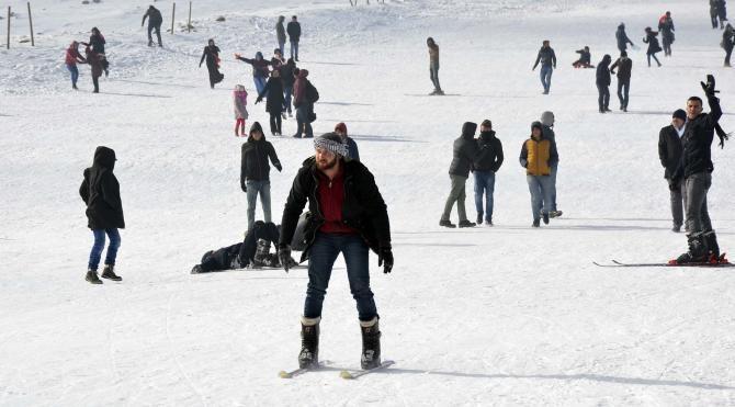 Karacadağ'da, kayak sezonu açıldı