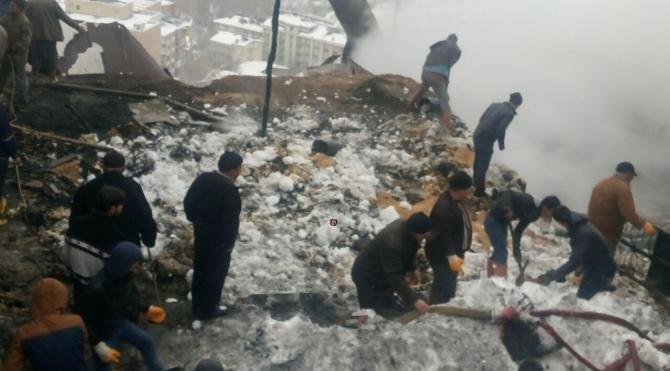 Ermenek'te ev yandı; baba ve kurtarmak istediği 2 kızı öldü