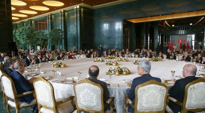 Cumhurbaşkanı Erdoğan: Avrupa değerlerinin bu derece ayaklar altına alınmasını kabullenemiyoruz