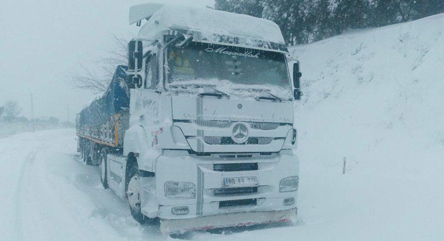 Kar Bayrampaşa Hali'ni vurdu