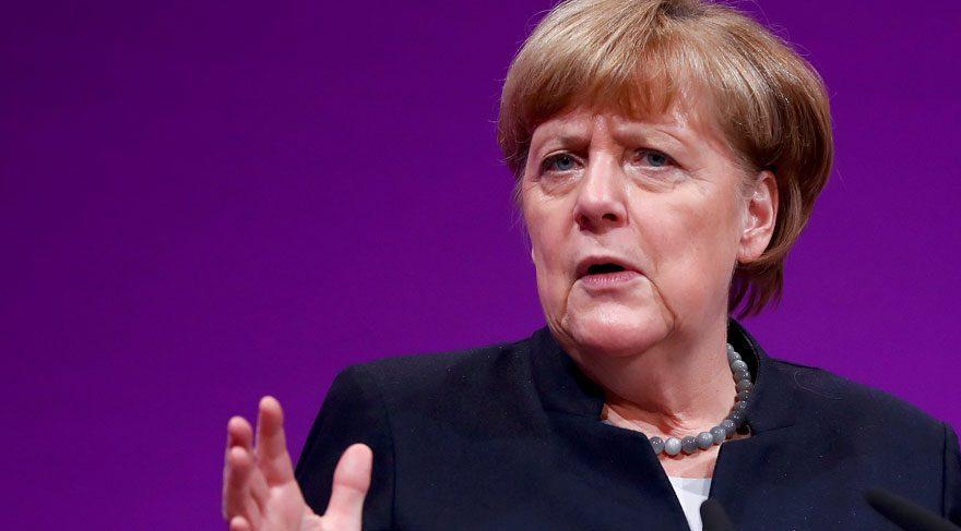 Merkel'den göçmenlerin iadesi için yeni hamle