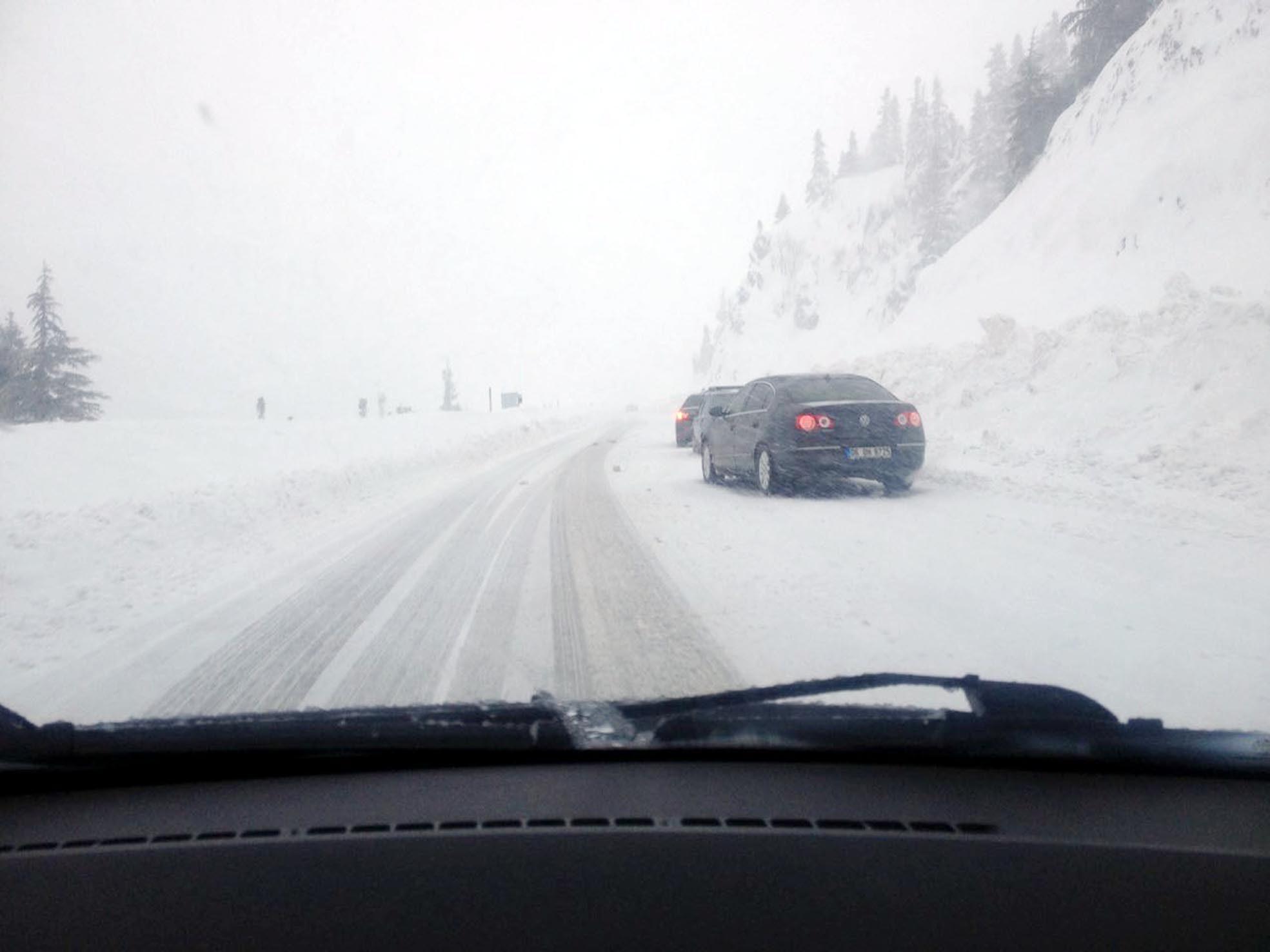 Kar Akseki Seydişehir yolunda ulaşımı engelliyor