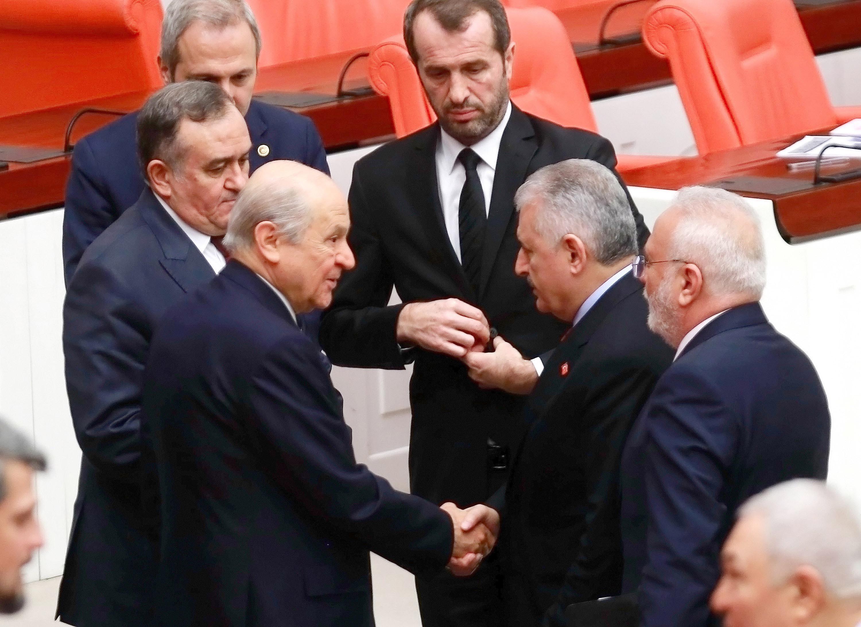 Başbakan Yıldırım'dan MHP lideri Bahçeli'ye teşekkür