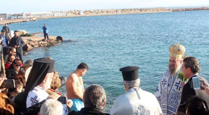 Bozcaada'da denizden haç çıkarma töreni yapıldı