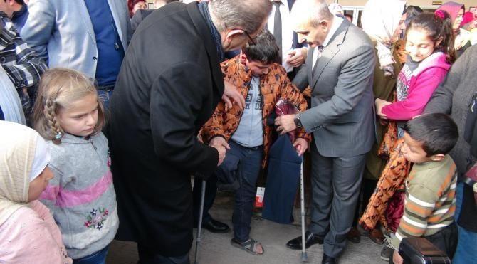 Çetinkaya ailesinden Kilis'teki yoksullara 4 5 milyon liralık yardım