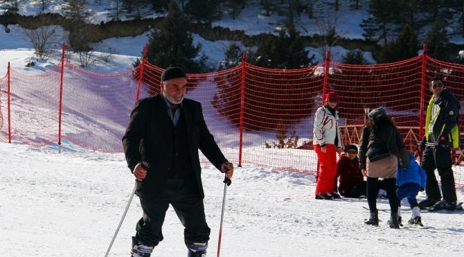 Mustafa Dede'nin kayak keyfi
