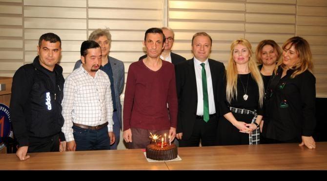 Uğur Acar'ın 5'inci nakil yaşına pastalı kutlama