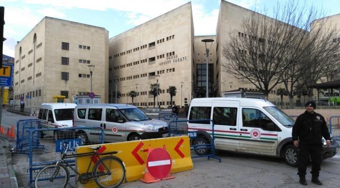 Bursa Adliye Sarayı nda geniş güvenlik önlemi