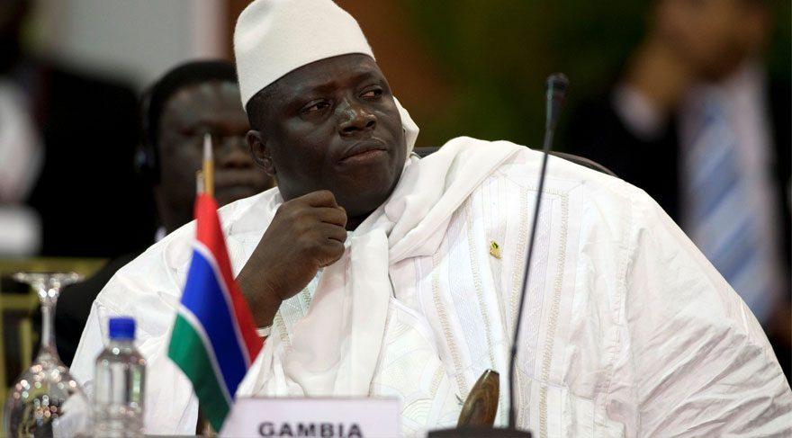 Gambiya'da görevini devretmeyen Devlet Başkanı OHAL ilân etti